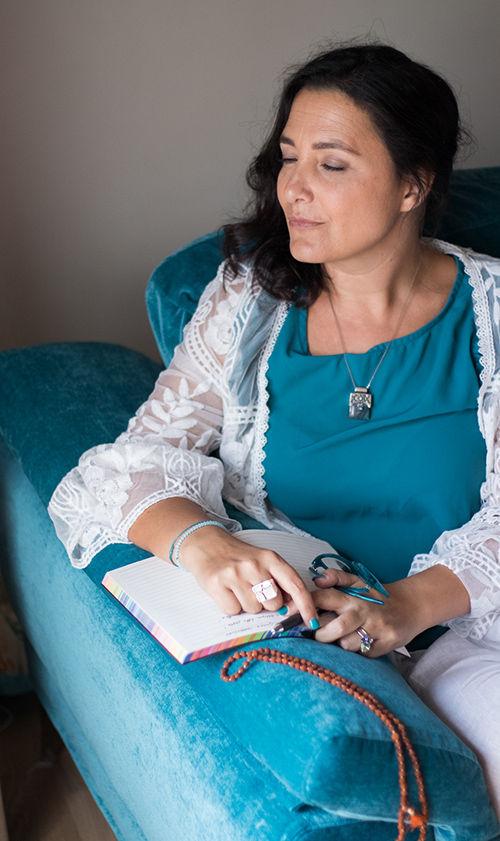 Immagina di scrivere una storia diversa. Immagina di rinascere connessa al tuo potere personale | Donna Libellula | Nausica Capriotti Facilitatrice dell'Essere®️